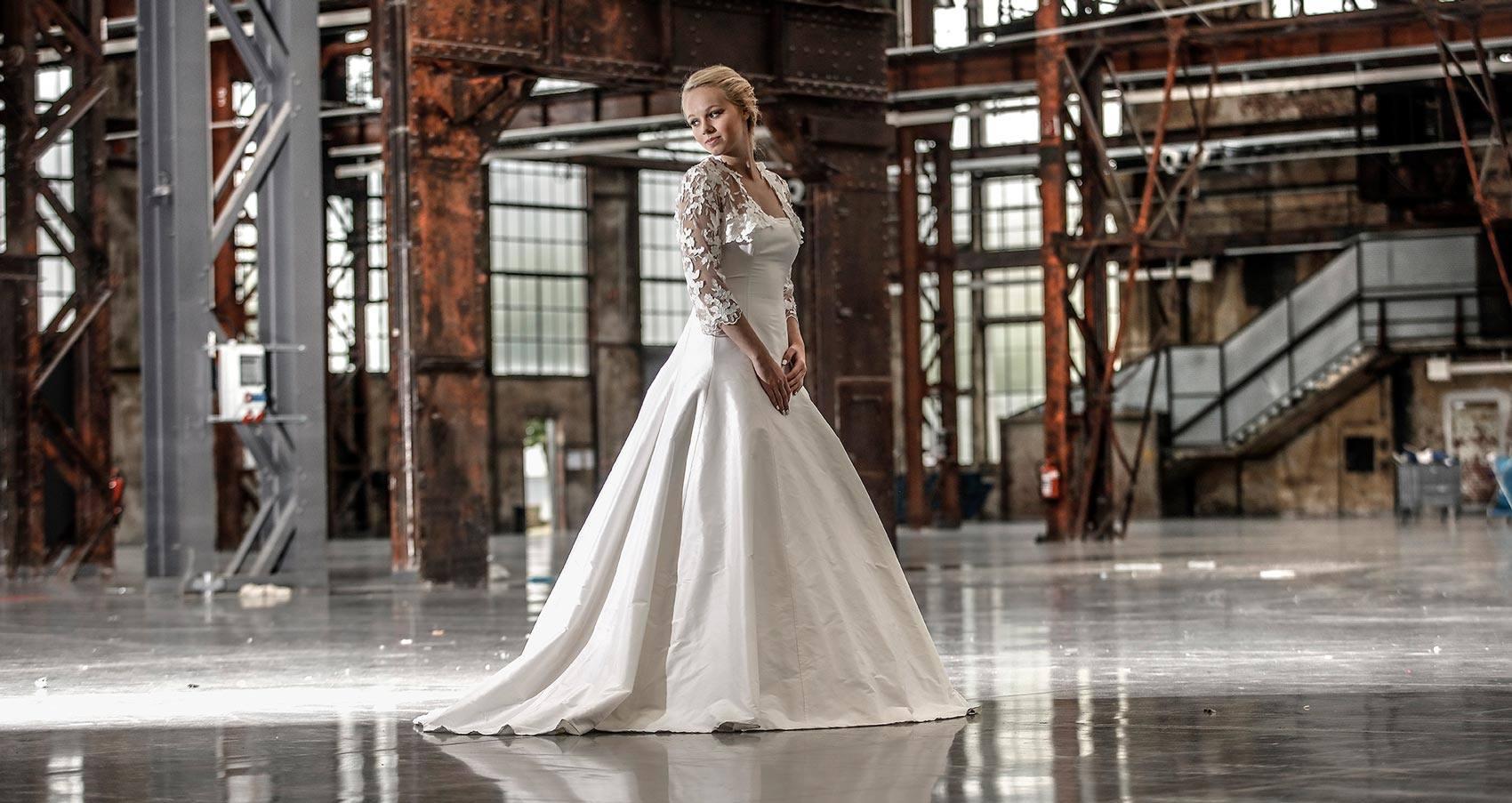 Langes klassisches Kleid